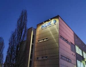 HBK LIchtwerbung Fassade 3