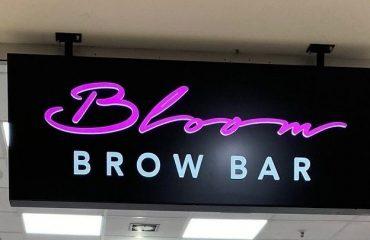 Leuchtkasten Brow Bar 2